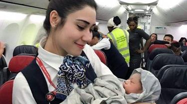 萬米高空 土耳其空姐變身接生婆