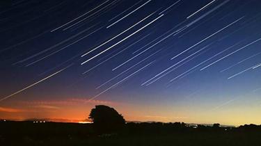 吉林:延時攝影記錄天琴座流星雨