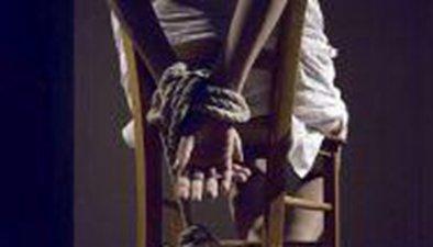 女子遭綁架勒索600萬 與劫匪通宵砍價逃脫報警