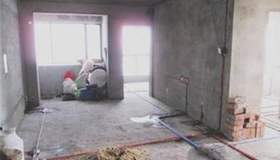 重慶:男子裝修一個月 房子竟是鄰居的
