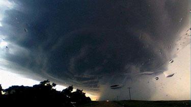 美國多州遭遇龍卷風襲擊