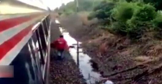 美國:列車滯留乘客叫外賣 外送員跋山涉水送到