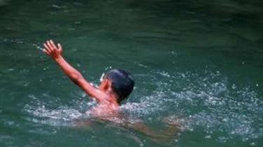 山東招遠:孩童溺水掙扎72秒 身旁無人看護