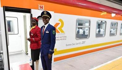 肯尼亞 蒙內鐵路通車儀式舉行 首班客運列車抵達內羅畢站