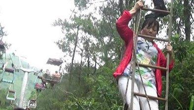 桂林:遭雷擊索道停電 62名遊客懸半空