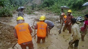 孟加拉國東南部大雨引發山體滑坡 數十人遇難