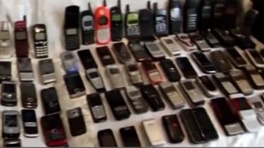 大千世界:俄羅斯男子收藏手機成癮 你能叫出幾部手機的名字?