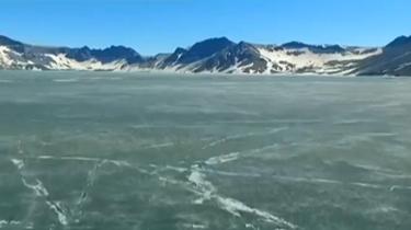 吉林:直擊長白山天池開冰