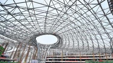 北京新機場航站樓鋼結構封頂