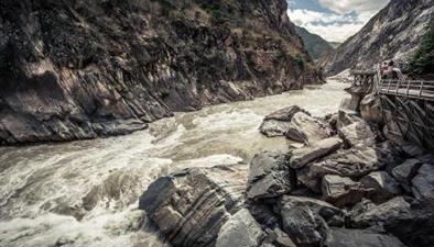 雲南:虎跳峽進入最佳觀賞期
