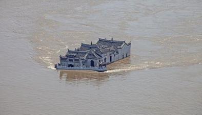 震撼航拍:湖北鄂州觀音閣在洪水中安然無恙