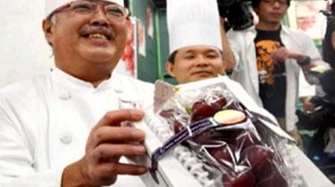 日本一串葡萄拍出天價 兩千多元一顆