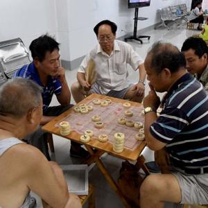 鄭州人防工程變夏日納涼點 免費棋牌及WIFI吸引市民乘涼