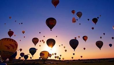 法國456只熱氣球一同升空 欲創世界紀錄