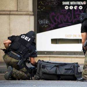 西班牙巴塞羅那恐襲造成13死80傷 警方正對兇手展開追捕