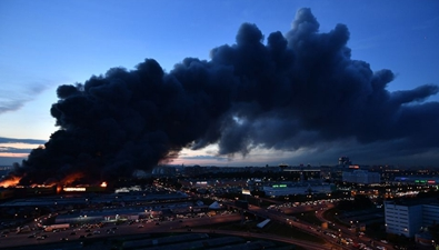 俄羅斯:建材城起火 三千人疏散