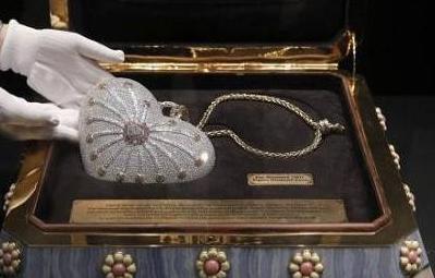 """""""世界最貴""""手包將拍賣 鑲鑽超4500顆"""