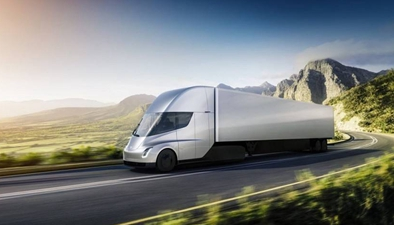 特斯拉發布首款電動卡車