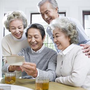 [財經早報]中國將完善老齡産業標準體係