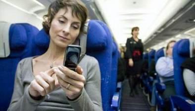 """中國多家航空公司開放""""空中wifi"""":空中開手機 能打電話嗎?"""