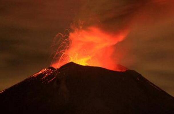墨西哥:波波卡特佩特火山噴發