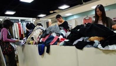 遼寧大連:過年沒有新衣服 男子盯上服裝店
