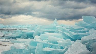 密歇根五大湖現藍色冰群美景