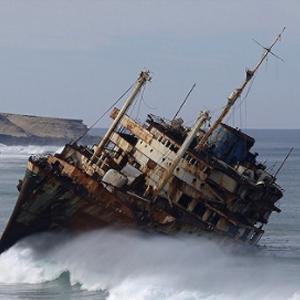仍有生命信號 馬來西亞對失蹤中國船員的搜救正在進行
