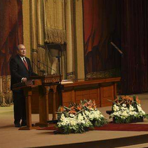 亚美尼亚新总统宣誓就职