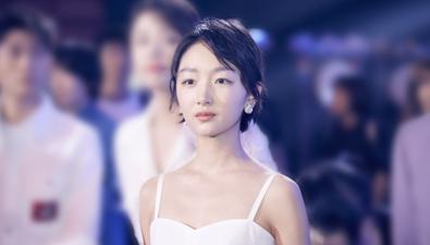 """青春片常駐""""初戀臉""""周冬雨的制勝秘笈"""