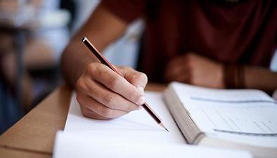 2018年高考開考:語文科8份試卷 9道作文題