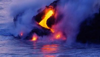 基拉韋厄火山持續噴發現場:熔岩如火龍 蔓延向大海
