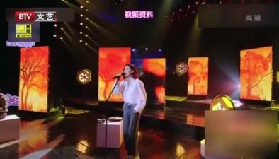 宋佳 竟是被表演耽誤的音樂人