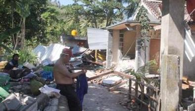 印尼龍目島今天再發生6.2級地震:目擊者地震導致建築物倒塌