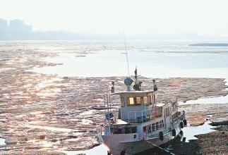 黑龍江:大江進入流冰期