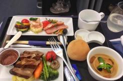 航空公司接連取消免費餐?