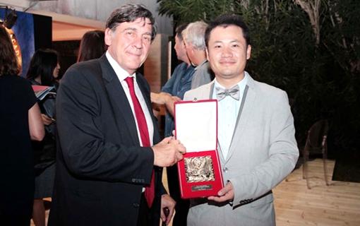 《南京东》威尼斯逆袭 导演朱成获圣马克铜狮奖