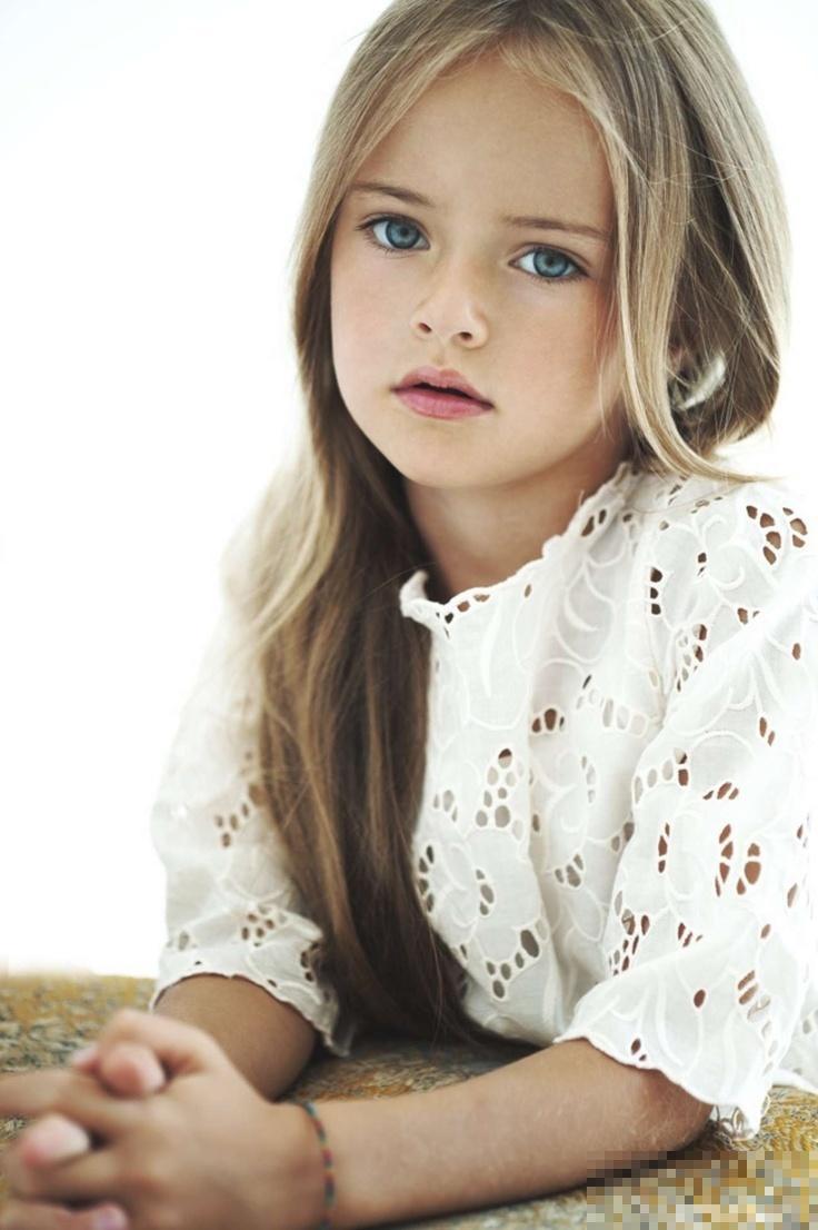 俄罗斯9岁萝莉模特皮曼诺娃走红 神似苏菲玛索