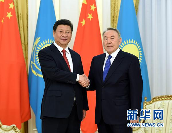 5月7日,國家主席習近平在阿斯塔納同哈薩克斯坦總統納扎爾巴耶夫舉行會談。 新華社記者 饒愛民 攝