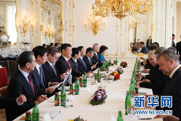 3月29日,國家主席習近平在布拉格同捷克總統澤曼舉行會談。新華社記者蘭紅光攝