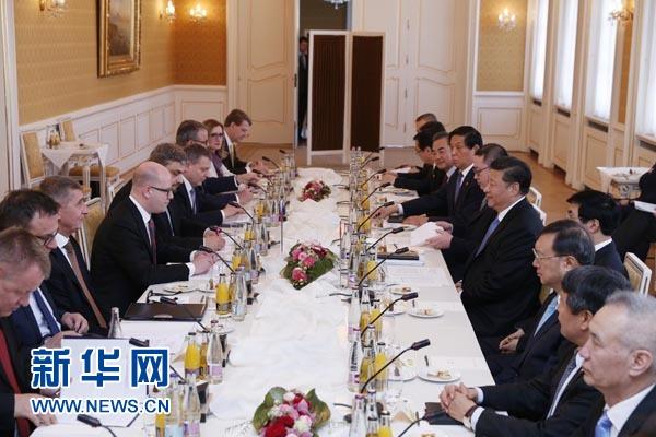 3月29日,國家主席習近平在布拉格會見捷克總理索博特卡。新華社記者鞠鵬攝