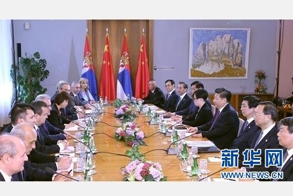 6月18日,國家主席習近平在貝爾格萊德同塞爾維亞總統尼科利奇舉行會談。 新華社記者 馬佔成 攝