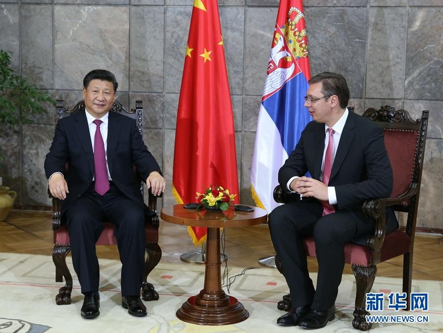 6月18日,國家主席習近平在貝爾格萊德會見塞爾維亞總理武契奇。 新華社記者 馬佔成 攝