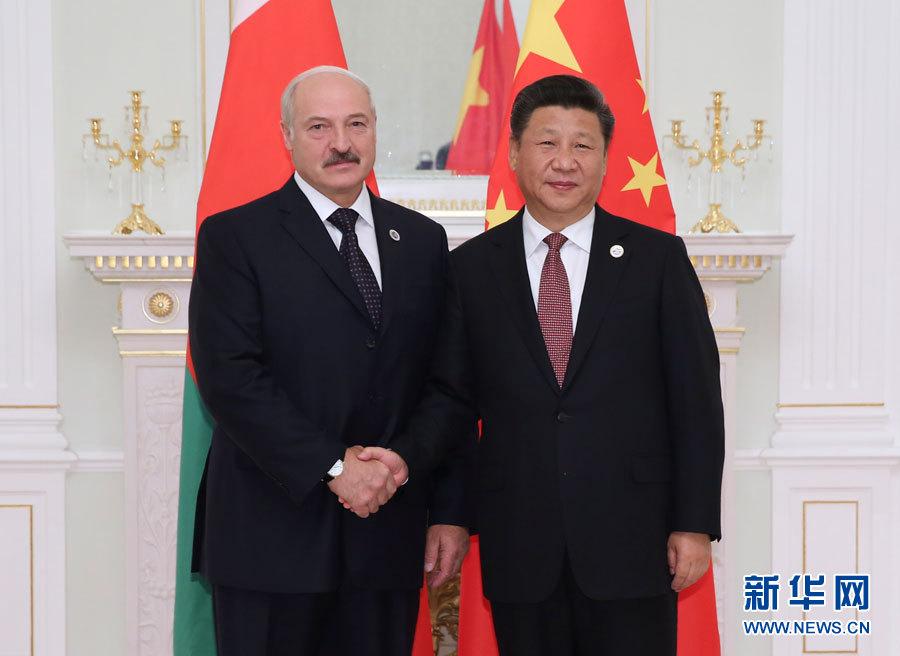 6月24日,國家主席習近平在塔什幹會見白俄羅斯總統盧卡申科。新華社記者 蘭紅光 攝