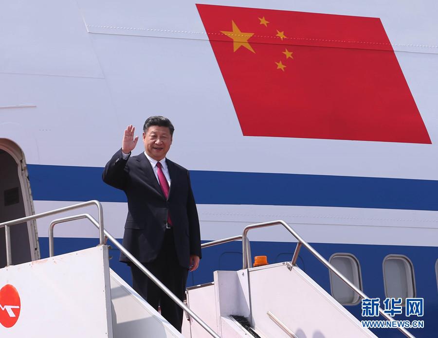 10月14日,國家主席習近平抵達達卡,開始對孟加拉人民共和國進行國事訪問。 新華社記者 劉衛兵 攝