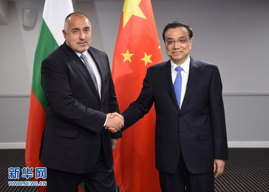 11月5日,國務院總理李克強在裏加下榻飯店會見保加利亞總理鮑裏索夫。 新華社記者 謝環馳 攝