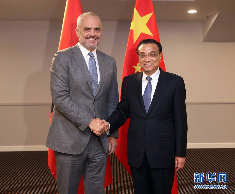 11月4日,國務院總理李克強在裏加下榻飯店會見阿爾巴尼亞總理拉馬。 新華社記者 劉衛兵 攝