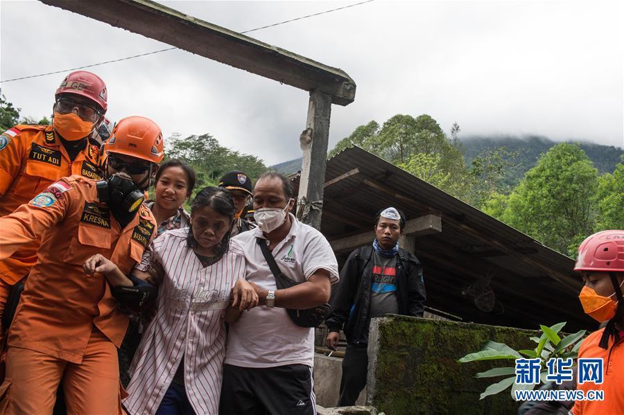 (國際)(2)巴厘島火山持續噴發