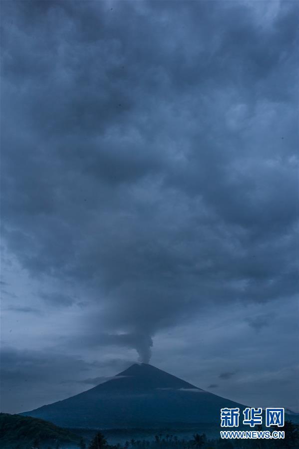 (國際)(7)巴厘島火山持續噴發