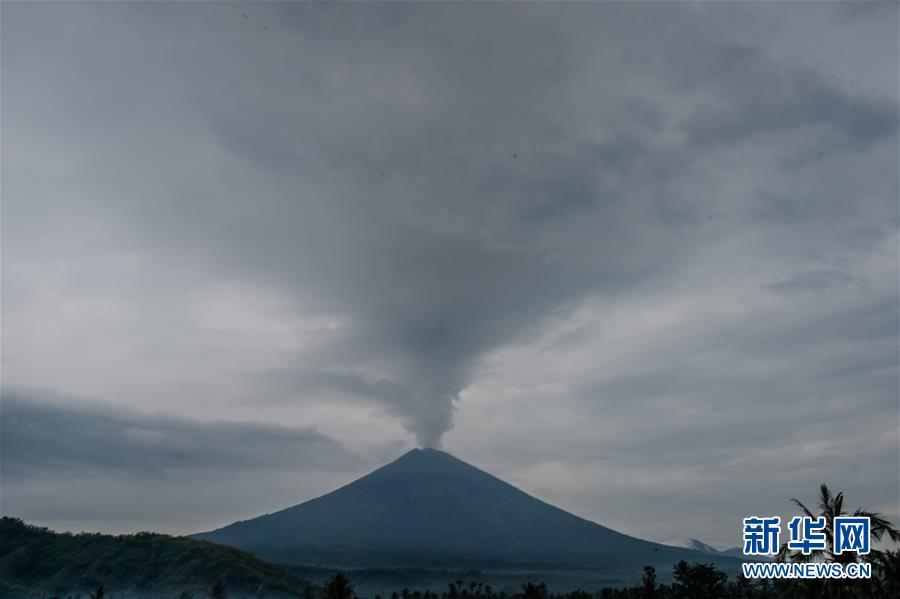 (國際)(6)巴厘島火山持續噴發